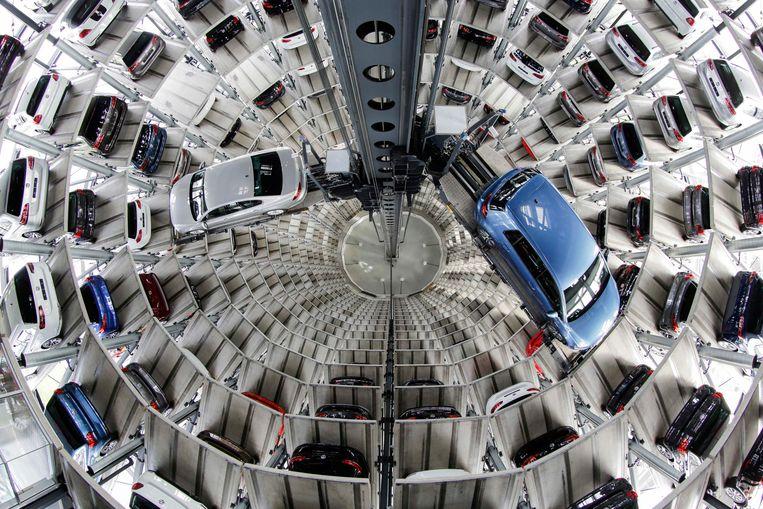 Volkswagens die klaar zijn voor levering. De autofabrikant moet Duitse eigenaren van sjoemeldiesels compenseren. Beeld AP