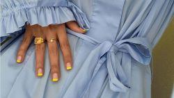 Zomers en trendy: zo maak je zelf een neon french manicure