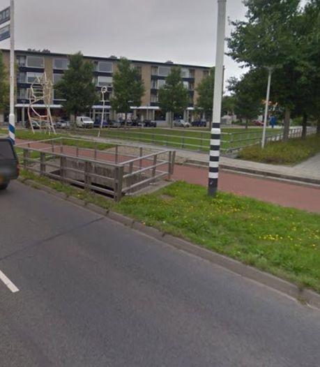 Fietsende vrouw (65) in Leeuwarden loopt hoofdwond op na aanrijding met automobilist uit Zwolle