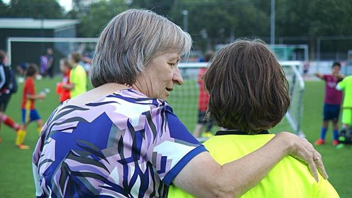 Anja van der Zande helpt al twintig jaar bij haar club Unitas'59 in Eindhoven.