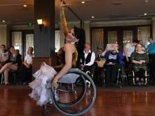 Rolstoelers dansen in De Kwel in Cuijk