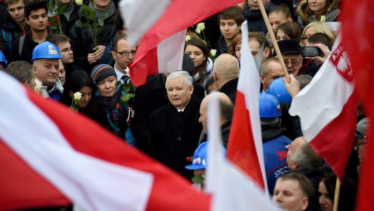 Oppositieleider Jaroslaw Kaczynski tijdens het protest in Warschau.