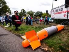 Demonstratie tegen kernwapens op vliegbasis Volkel