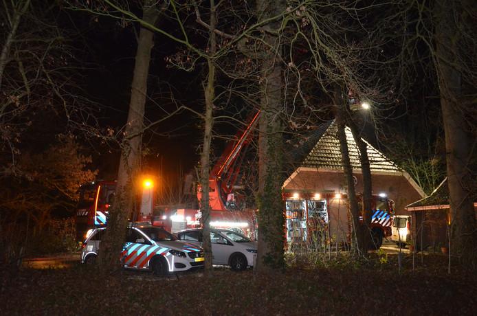 In een woonboerderij aan de Doetinchemseweg (N315) in Zelhem is zaterdagavond 15 december een felle brand ontstaan.