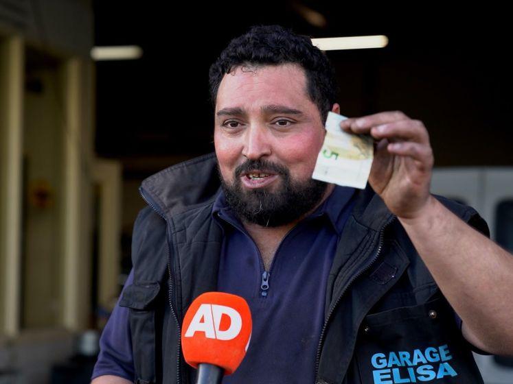 Kippenkoning Hamza wil nieuw kippenrijk stichten: 'Over 3 maanden heb ik mijn elftal weer binnen'