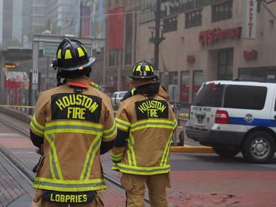 explosie-in-gebouw-houston-zorgt-voor-grote-ravage-en-minstens-twee-doden