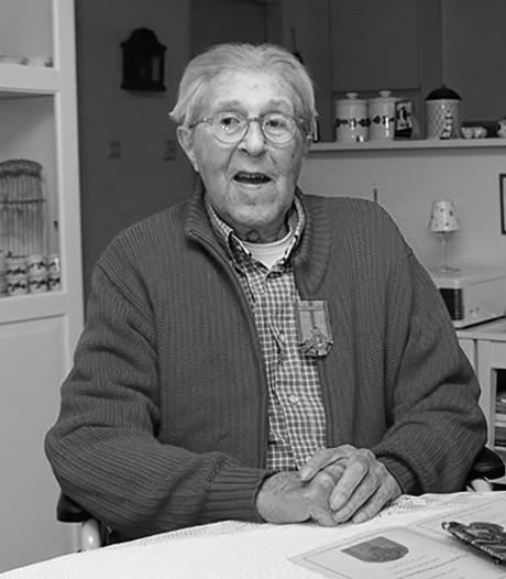Zwolse oorlogsheld Jaap Hinderink (96) overleden: Engelandvaarder die boven Veluwe werd gedropt