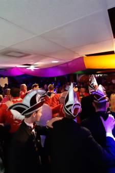 Geen carnavalsoptocht in Odijk, dan maar bier drinken in de Leutbunker