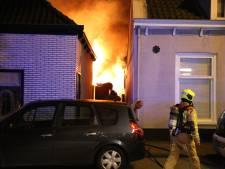 Veel schade door brandende veranda en schuur aan Zuidwind in 's-Gravenzande