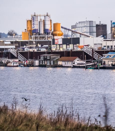 Ombudsman bemoeit zich met woonboten in Arnhem