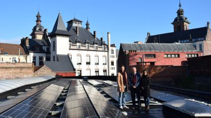 Zonnepanelen voor zes gemeentesites