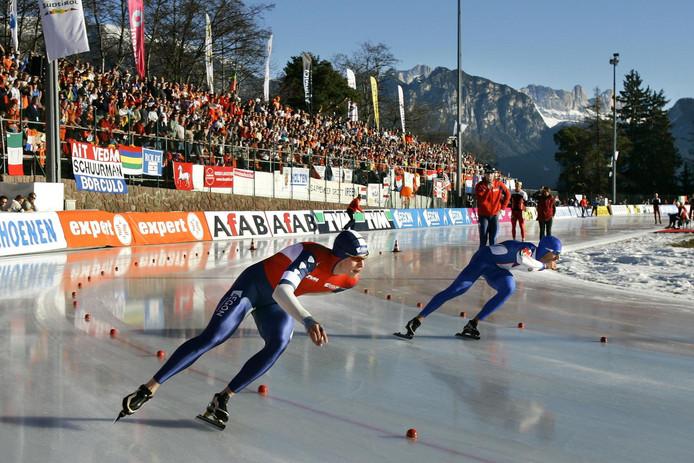 Sven Kramer in actie tijdens de 1500 meter in zijn rit tegen de Italiaan Enrico Fabris op het EK allround in 2007