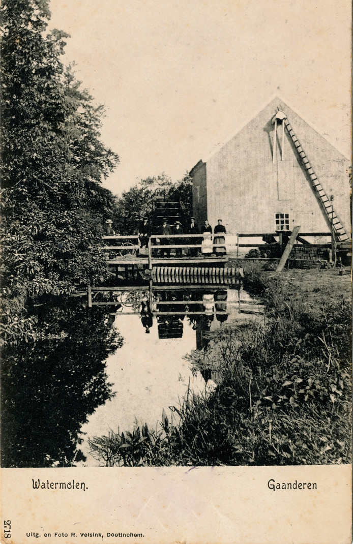 De watermolen bij huize Rekhem, die in 1851/1852 in opdracht van G.H. Horsting is gebouwd.