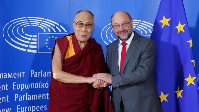 Le dalaï-lama et Martin Schulz, président du Parlement européen, à Strasbourg.