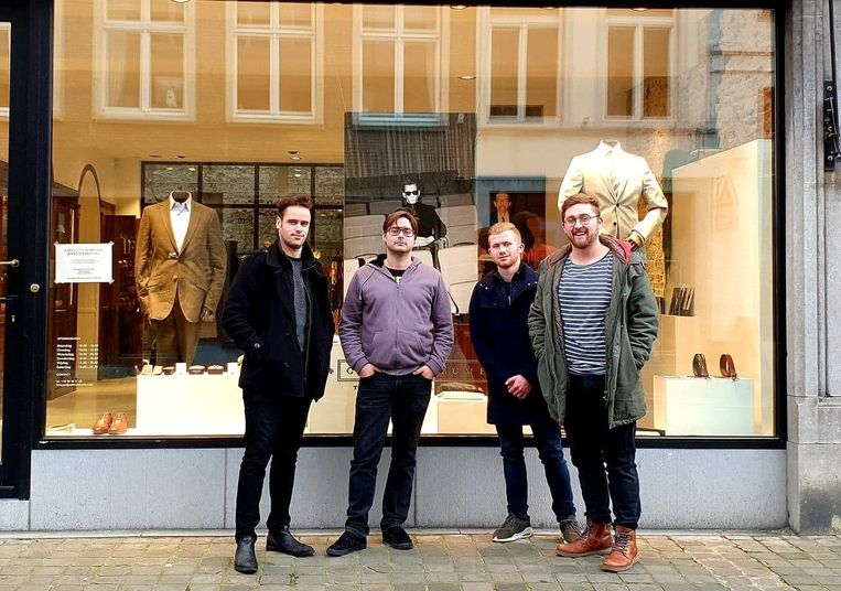 Yentl Wittesaele, Aaron Rotsaert, Kenny De Zutter, Jens Pylyser en Arjen Samaey (ontbreekt op de foto) van Phantom Avenue.