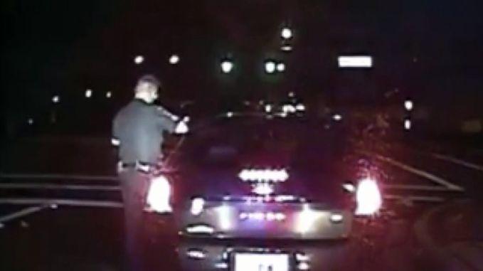 Zo gevaarlijk kan een verkeerscontrole zijn voor een agent