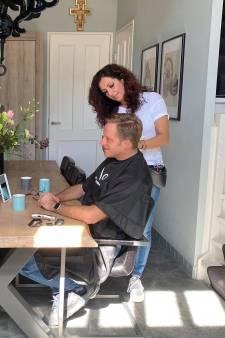 Vaste kapper minister De Jonge geeft video-instructies aan vrouw: 'Hij is een ijdele man'