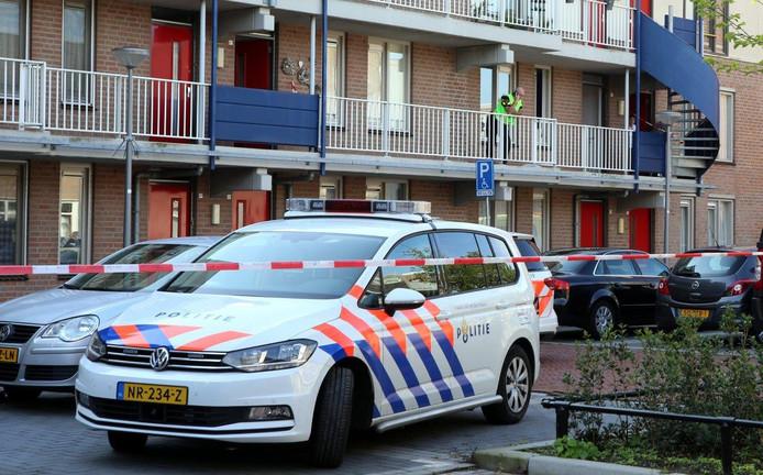 Politie aanwezig om hulp te verlenen in Den Bosch.