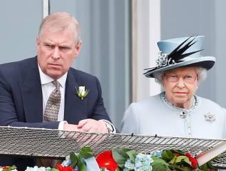 Queen Elizabeth heeft zorg minder: prins Andrew blijft afwezig door coronacrisis