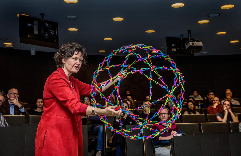 De Hogeschool van Amsterdam heeft 'donut-econoom' Kate Raworth onthaald als nieuwe professor. Beeld Jean-Pierre Jans