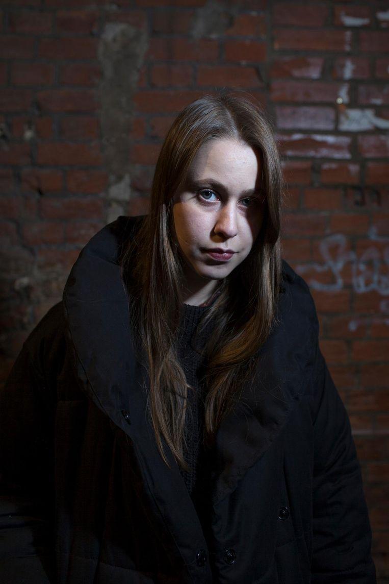 Anna Batakova (25): 'Je kan kiezen tussen shit en shit. Geen van die politieke monsters praat over mijn leven.' Beeld Emile Ducke