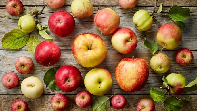 Selon la liste de l'Environmental Working Group (EWG), la pomme est le fruit qui contient le plus de résidus de pesticides.