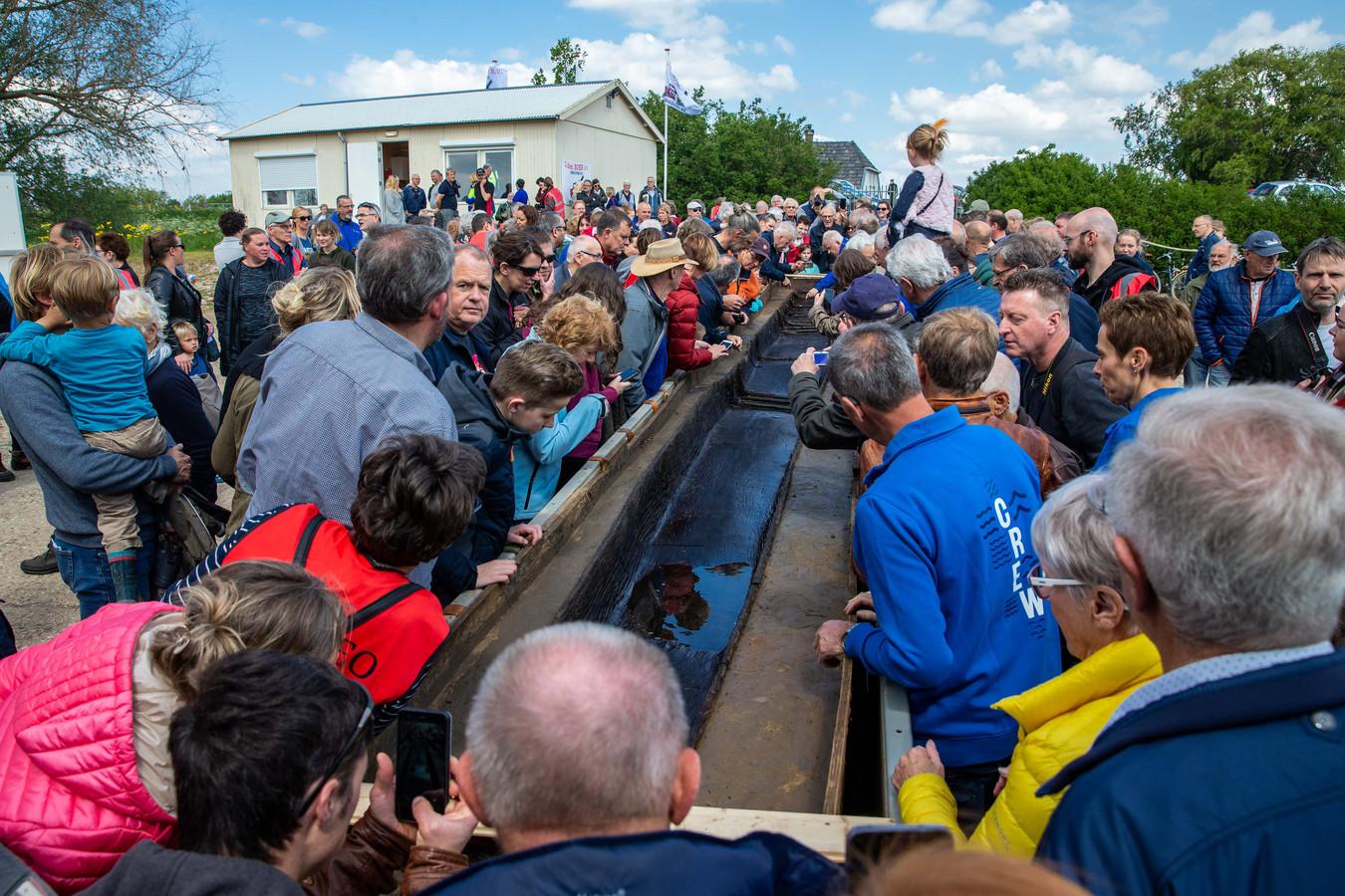 Onthulling Romeinse kano op 11 mei 2019.
