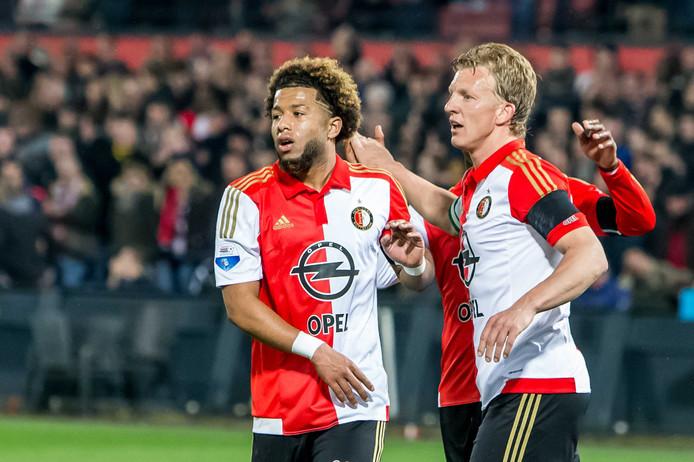 Tonny Vilhena (links) met Dirk Kuyt.