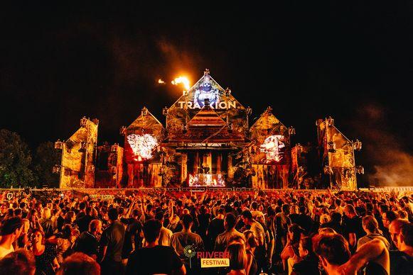 Rijvers Festival: goed voor bomvolle pleinen en mooie decors.