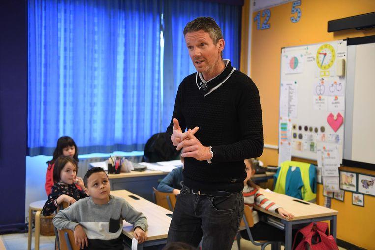 Weerman Frank Duboccage toonde zich als een bevlogen leraar en kreeg heel wat vragen van de kinderen over de klimaatverandering.