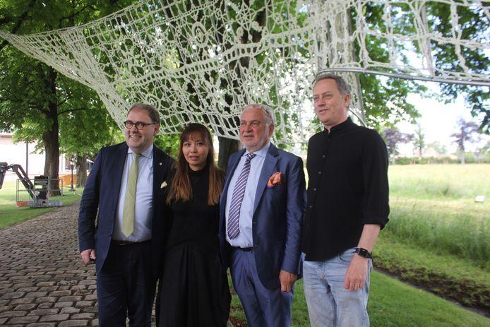 Christoph D'Haese en Fernand Huts bij kunstenaars Thomas Shine en Jin Choi.