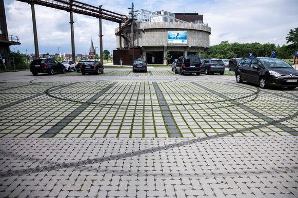 Slip sporen op de parking van TODI op de Be-MINE site.