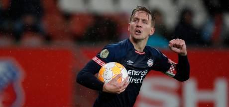 PSV profiteert in Utrecht maar deels van nederlaag Ajax, opnieuw hoofdrol VAR