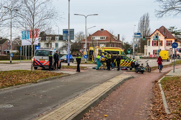 Hulpverlening na de aanrijding in Nijmegen.