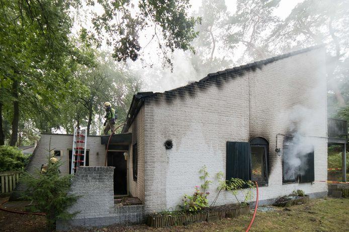 Woningbrand aan de Elspeterweg in Nunspeet.
