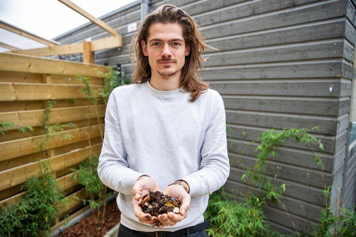 Joris Petterson zoekt enthousiaste Eindhovenaren om zelf GFT te composteren in wormenhotels.