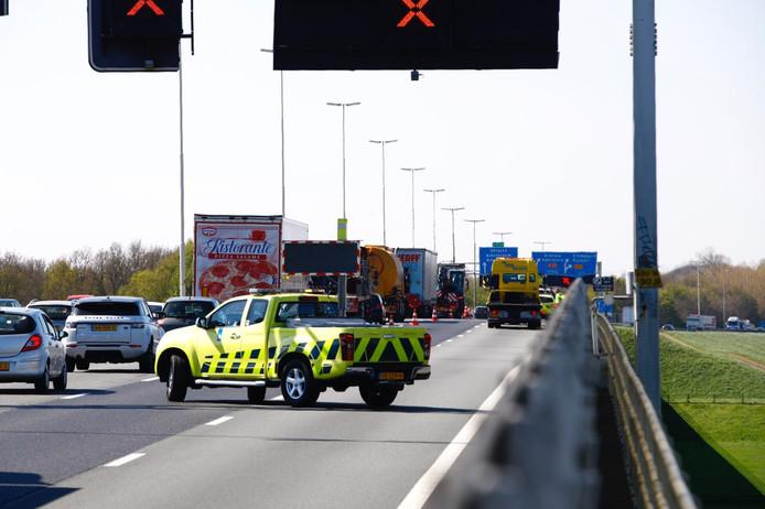 Twee rijstroken zijn afgesloten vanwege een ongeval op de A28 bij Zwolle - Zuid.