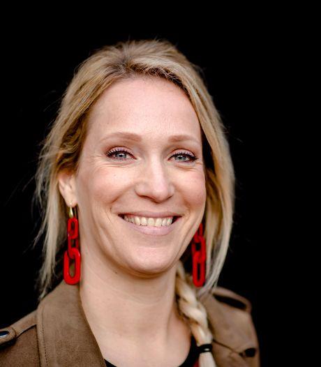 TV-presentator Hélène Hendriks: 'Het is tegennatuurlijk om niet te knuffelen'
