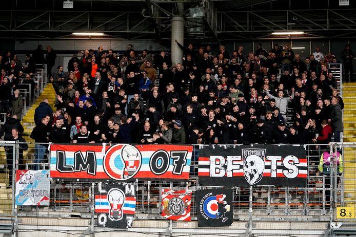 PSV-supporters tijdens LASK Linz-PSV.