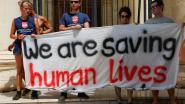 Eerste groep migranten van reddingsschip Lifeline heeft Malta verlaten