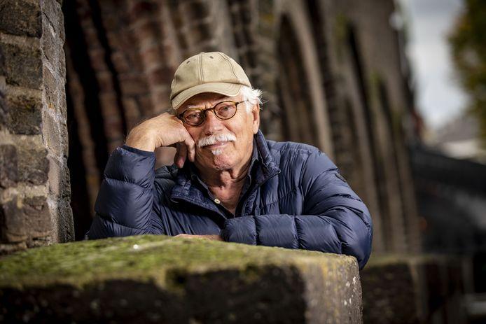 Jaap Ploeg stopt met zijn fotozaak. Na 27 jaar. De malle pietje van Enschede, zo werd hij tot zijn verbazing wel eens genoemd.