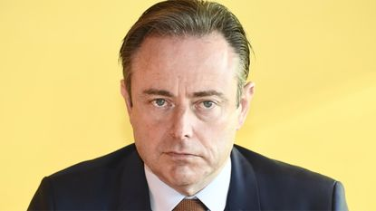 """De Wever waarschuwt voor euforie: """"Er zijn zeker nog vijf andere Antwerpse misdaadclans"""""""