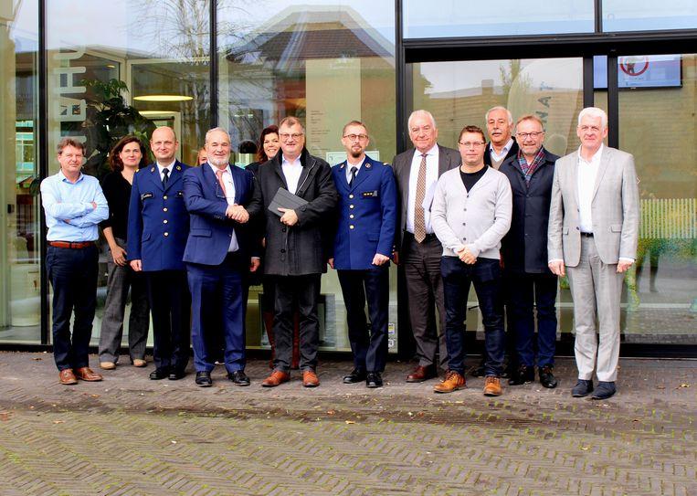 Leden van de stuurgroep van de politieassociatie Centrum (PACE)