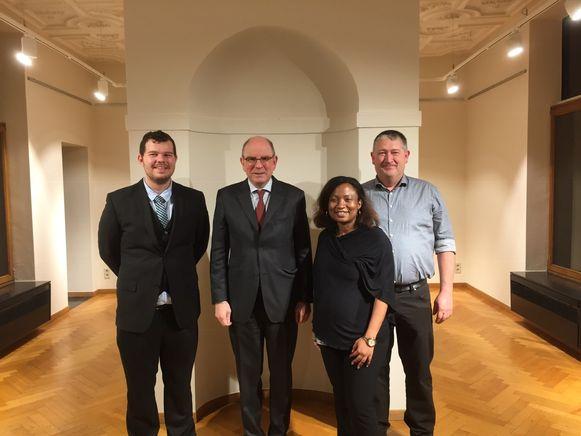 Kersvers voorzitter Jan De Doncker (rechts) sloot zich pas een jaar geleden aan bij de partij, maar wordt nu al voorzitter van CD&V Kapelle-op-den-Bos.