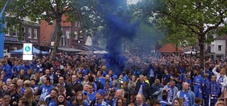 Spakenburg kampioen in de derde divisie: dorp viert feest
