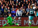 Kasper Dolberg in de Kuip scorend tegen Feyenoord.