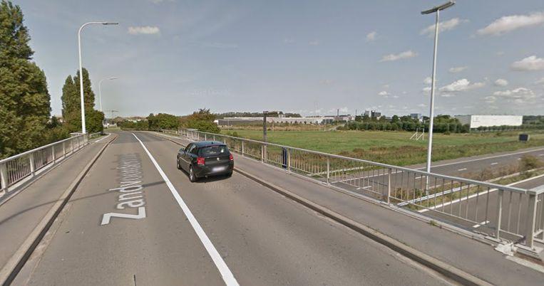 De brug over de A10 in Oostende zal vanaf 1 april sluiten voor herstellingswerken.