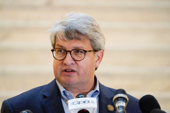 Sterling had het zichtbaar moeilijk zijn woede onder controle te houden tijdens de persconferentie.