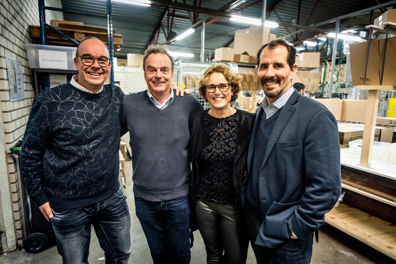 Van links naar rechts: Marco Kluwen van MamaLoes, Jos Verhoeven van Start Foundation, Loes de Volder van MamaLoes en Mike Brady van het Amerikaanse Greyston Bakery.