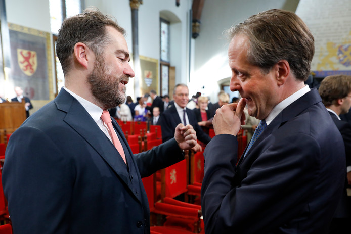 Klaas Dijkhoff (L) met Alexander Pechtold in de Ridderzaal op Prinsjesdag.
